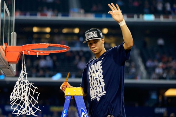 Shabazz Napier cuts down the nets (Jamie Squire/Getty)